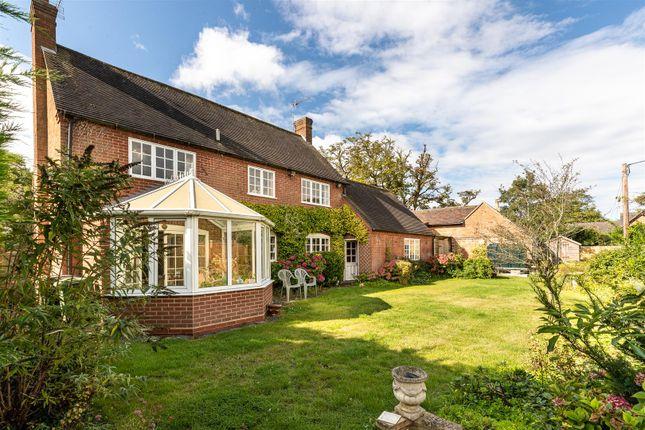 CV348Xg-8 of Dormer Cottage, Pebworth, Stratford-Upon-Avon CV37