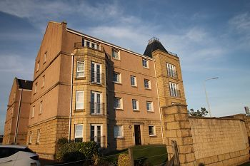 Thumbnail Flat to rent in Inverewe Place, Dunfermline, 8Fw