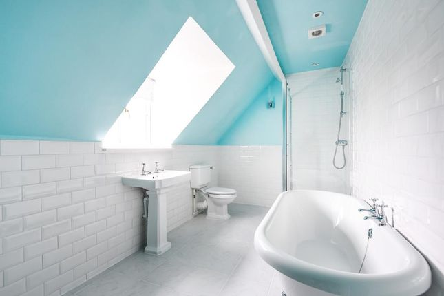 Bathroom of West End, Witney OX28