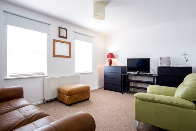 Thumbnail Terraced house for sale in Whitmore Close, London