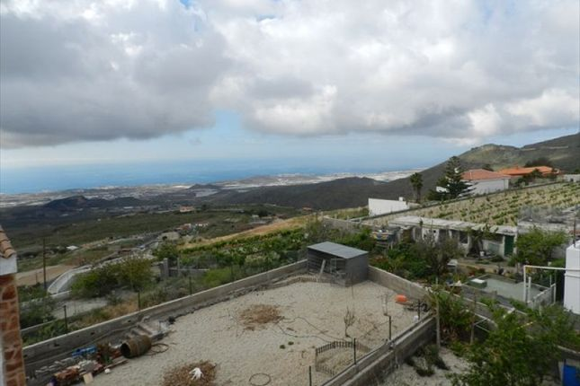 3 bed villa for sale in El Roque, Tenerife, Spain