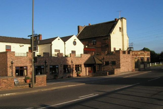 Thumbnail Pub/bar for sale in Station Road, Hatton, Derby