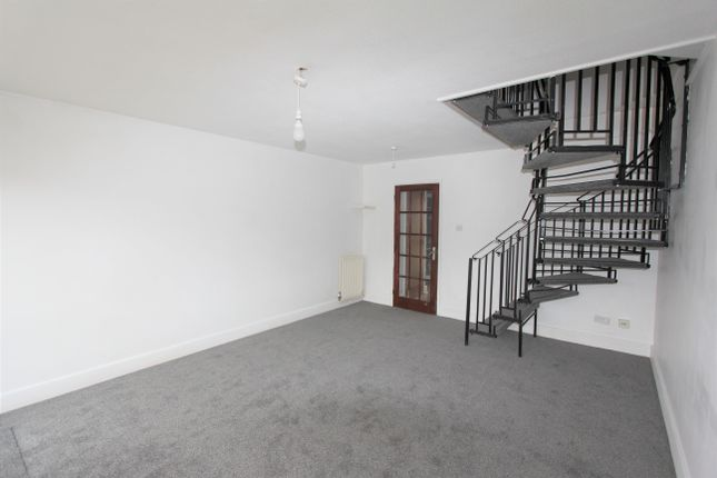 Thumbnail Terraced house to rent in Brantwood Way, Orpington