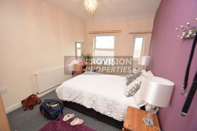 Thumbnail Terraced house to rent in Kirkstall Lane, Headingley, Leeds