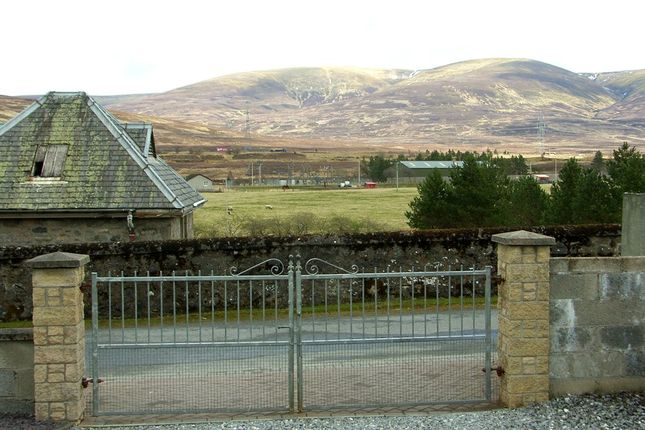 Picture No. 07 of Dalwhinnie, Highland PH19