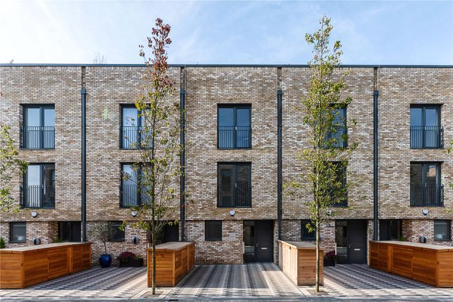 Thumbnail Terraced house for sale in Victoria Drive, Wimbledon, London