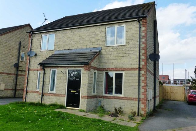 Thumbnail Semi-detached house to rent in Nutwood View, Scunthorpe