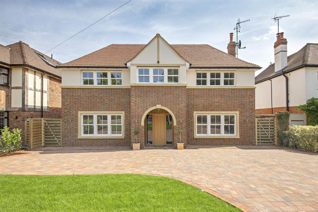 Thumbnail Detached house for sale in Goodyers Avenue, Radlett