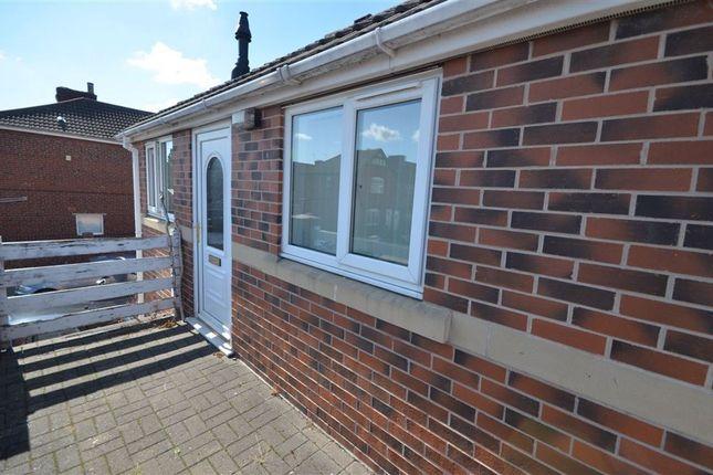 Thumbnail Flat to rent in Minsthorpe Lane, South Elmsall