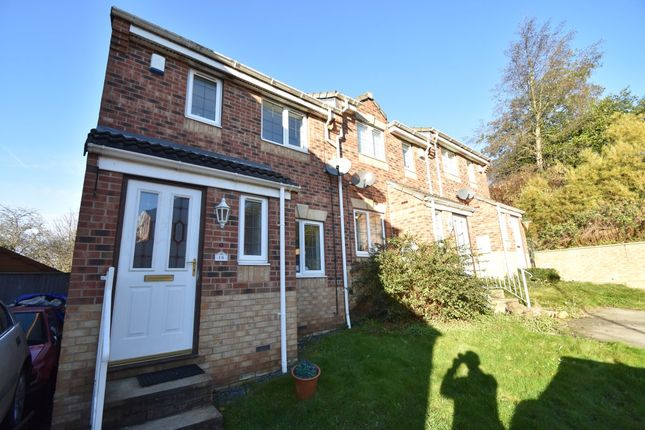 Thumbnail Town house to rent in Apple Tree Walk, Kippax, Leeds