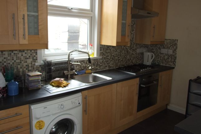 Thumbnail Duplex to rent in Burdett Road, Mile End