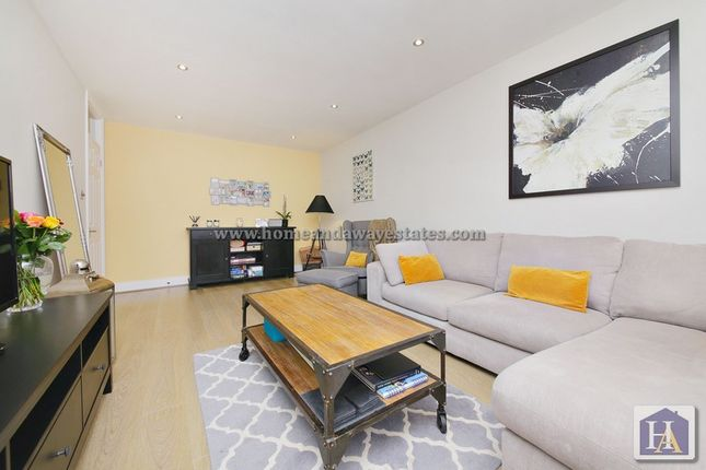 Thumbnail Flat to rent in Heathdene, Chase Side, London