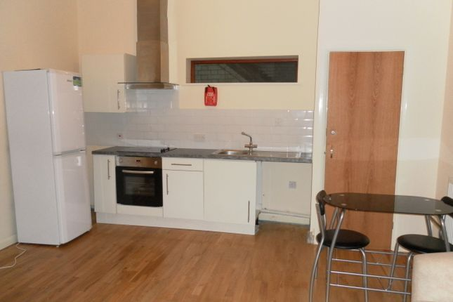 Thumbnail Flat to rent in Bowling Green Street, Leicester