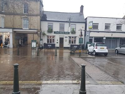 Thumbnail Pub/bar for sale in The New Inn, 16A Market Square, Biggleswade, Bedfordshire
