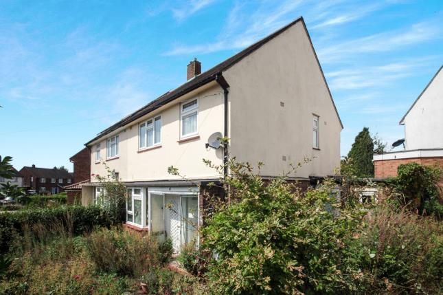 Front of Southdrift Way, Luton, Bedfordshire, England LU1