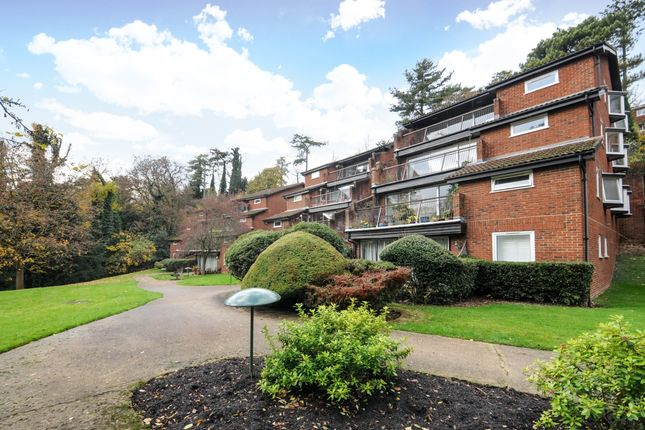 Thumbnail Flat to rent in Southview Road, Warlingham