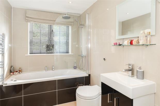 Family Bathroom of Tallarn Green, Malpas SY14