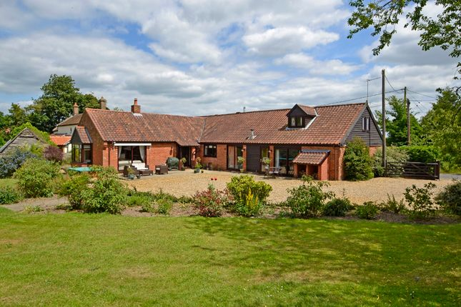 Thumbnail Hotel/guest house for sale in Surlingham, Norwich, Norfolk