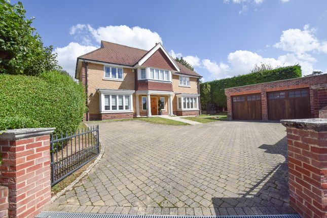 Thumbnail Detached house for sale in Robin Hatch, Newmarket