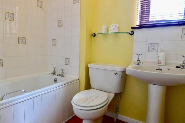 Bathroom of 20 Central Avenue, Gretna, Dumfries And Galloway DG16