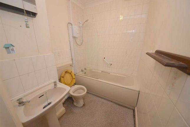 Bathroom of 9, Clareston Court, Tenby, Dyfed SA70