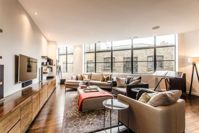 Thumbnail Flat for sale in Commercial Street, Spitalfields