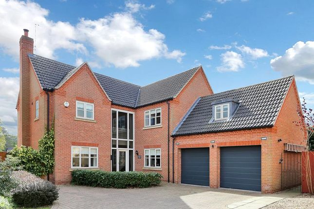 Thumbnail Property for sale in Kings Gardens, Gonerby Hill Foot, Grantham