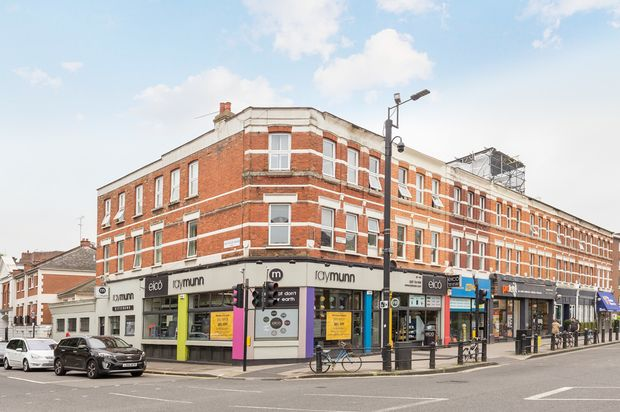Thumbnail Flat to rent in 861 - 863 Fulham Road, London