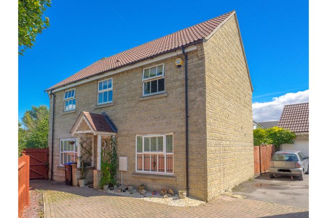 Thumbnail Detached house for sale in Amberley Close, Calne