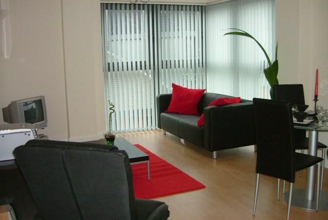 Thumbnail Flat to rent in Velocity North, 3 City Walk, Leeds