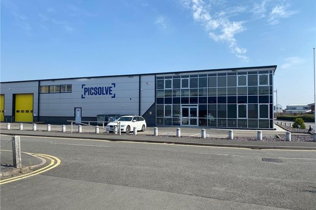 Thumbnail Office to let in Unit 9, Victoria Way, Pride Park, Derby.