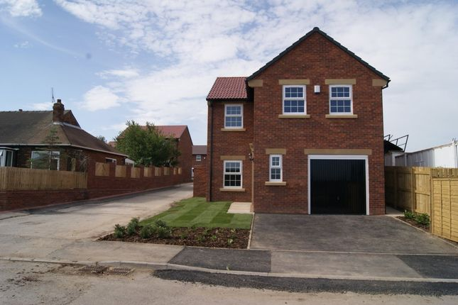 Thumbnail Detached house to rent in Lindale Lane, Wrenthorpe, Wakefield