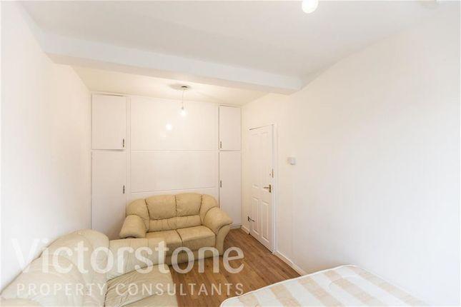 Thumbnail Maisonette to rent in Bonner Street, Bethnal Green, London