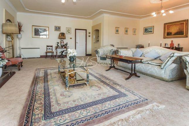 Thumbnail Flat for sale in Warren Road, Torquay