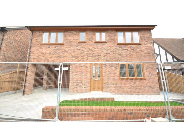 Thumbnail Property to rent in May Avenue, Canvey Island