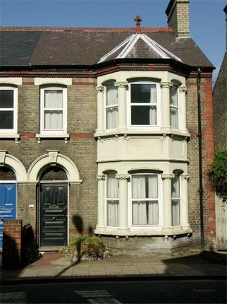 Thumbnail Shared accommodation to rent in Flat 1, 33 Mill Rd, Cambridge