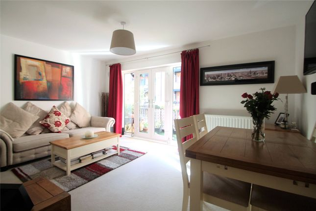 Thumbnail Flat for sale in Piazza House, Cannons Wharf, Tonbridge