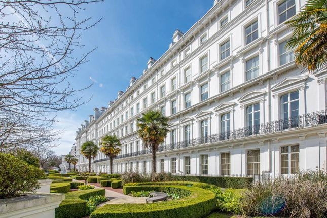 Thumbnail Flat for sale in Lancaster Gate, Bayswater