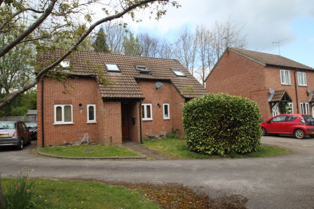 Thumbnail Semi-detached house for sale in Shalbourne Close, Hungerford