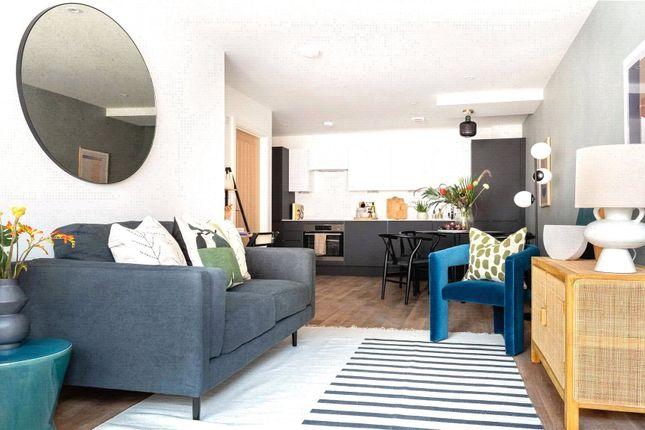 1 bed flat for sale in Chertsey Road, Woking GU21