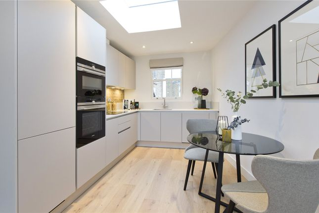 Thumbnail Terraced house for sale in New Road, Crouch End, London