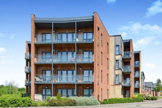 Flat for sale in Atlas Way, Oakgrove, Milton Keynes