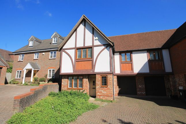 3 bed semi-detached house to rent in Walhatch Close, Forest Row RH18