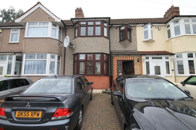 Thumbnail Terraced house to rent in Rom Crescent, Romford