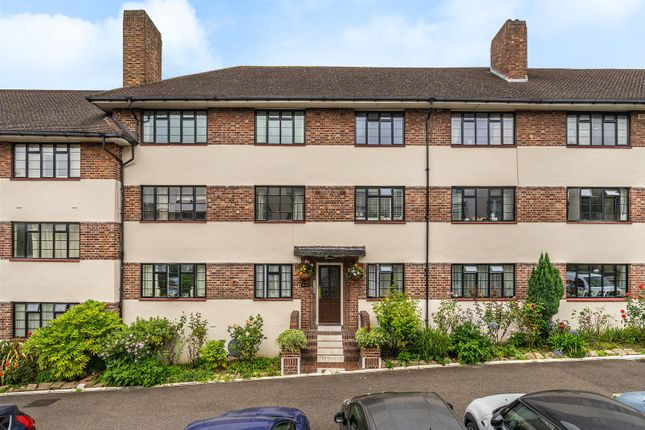 Thumbnail Flat for sale in Leigham Court Road, Streatham
