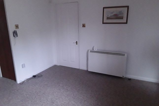 Thumbnail Flat to rent in Stamford Court, Ashton-Under-Lyne