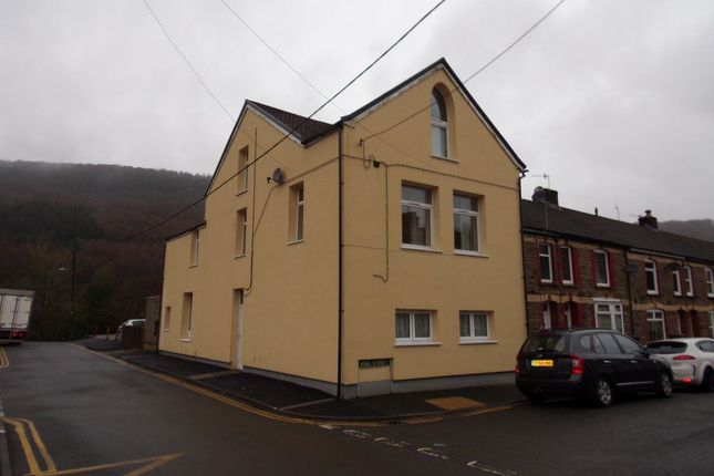 Thumbnail Flat to rent in Flat 2, King Street, Cwmfelinfach