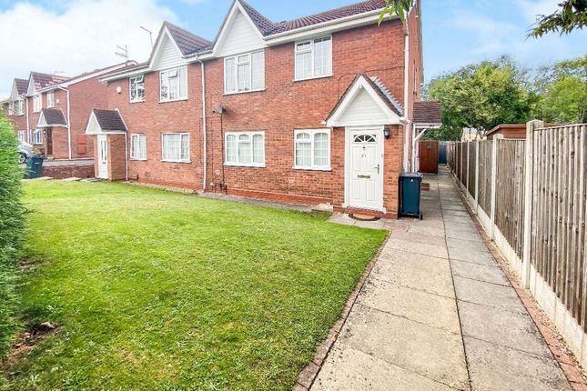2 bed flat to rent in Kirkstone Court, Brierley Hill DY5