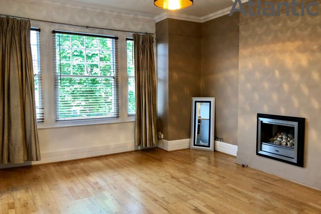 Thumbnail Flat to rent in Grovelands Road, Palmers Green