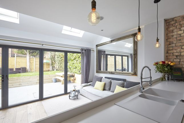 Thumbnail Property for sale in Huntingfield Road, London